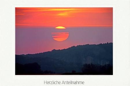 Sonnenuntergang am Berghang